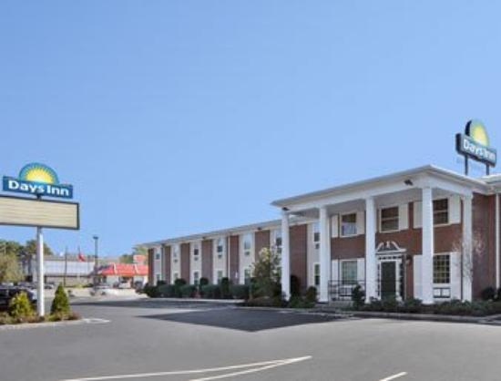 Americas Best Value Inn : Exterior View