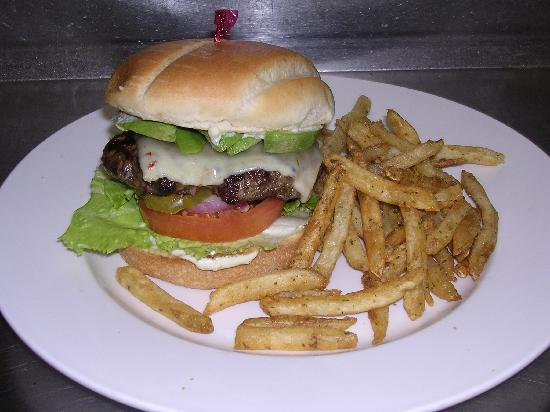 The Crossing Grill & Bar: Chan Chan Burger