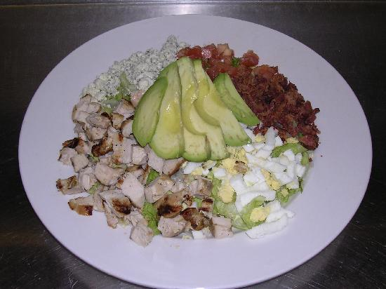 The Crossing Grill & Bar: Cobb Salad