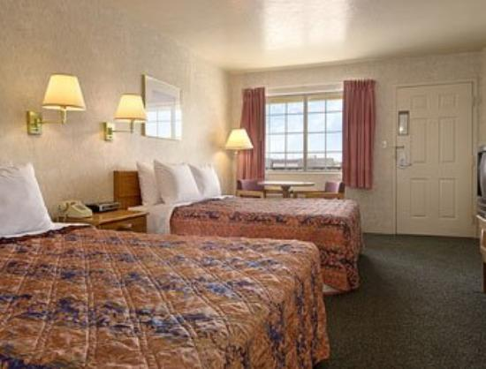 Days Inn Carson City : Standard Two Queen Bed Room