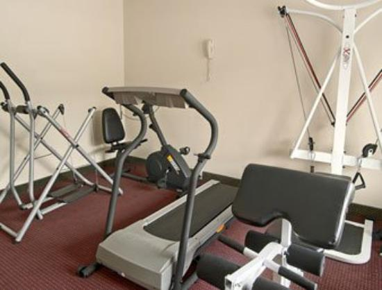Days Inn Lenoir: Fitness Center