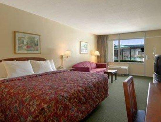 Hotel MayQueen