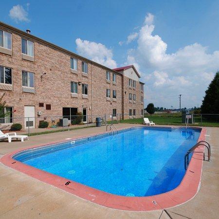 Beaver Dam Inn: Pool
