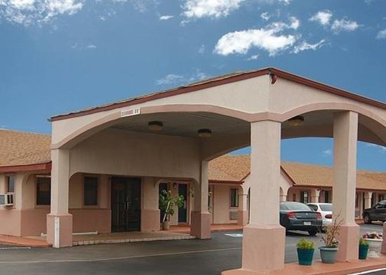 VIP Inn & Suites : Exterior View