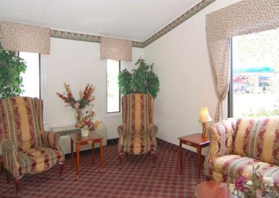 Hampton Inn & Suites Jacksonville / Orange Park: Lobby View