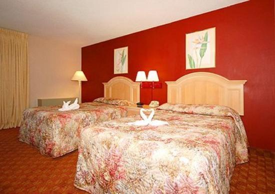 Newport Ambassador Inn & Suites : Guest Room -OpenTravel Alliance - Guest Room-