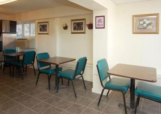 Econo Lodge Rawlins: Restaurant