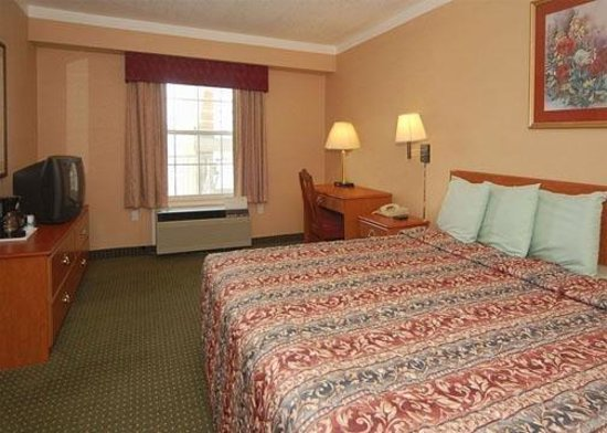 The Crossroads Hotel & Suites : Guest Room