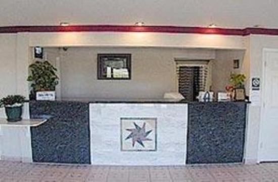 Welcome Inn: Lobby View