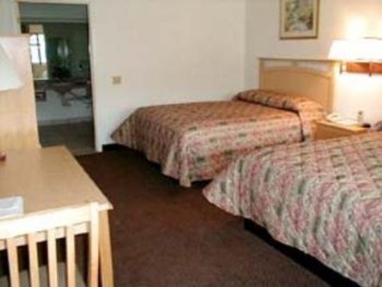 Welcome Inn: Guest Room