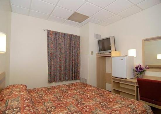 Econo Lodge Johnstown: Guest Room