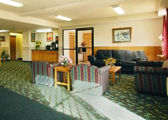 Budget Host Inn & Suites : Lobby View