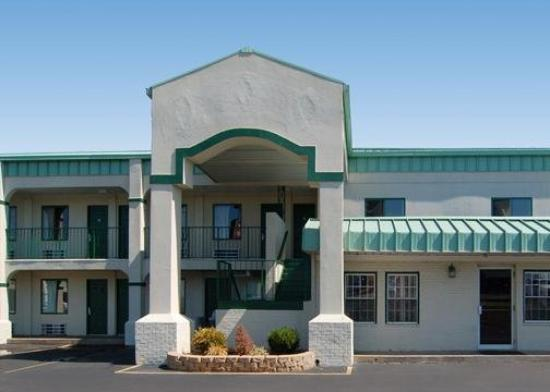 Executive Inn Amp Suites Bowling Green Ky Motel Reviews