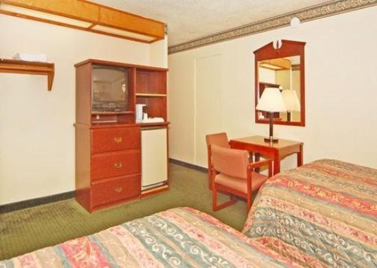Econo Lodge Convention Center: Guest Room