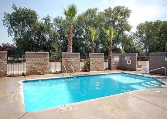 Econo Lodge North Parkway Drive: Pool