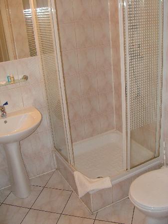 Hit Hotel: Banheiro privativo