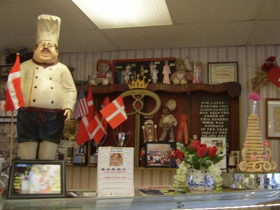 Olsen's Danish Village Bakery: Cute decor