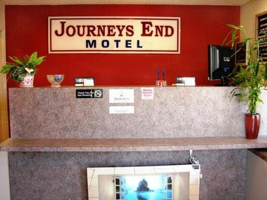 Journeys End Motel: Lobby View