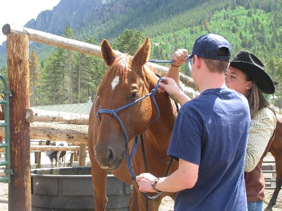 Wind River Christian Family Dude Ranch: Getting ready for a ride