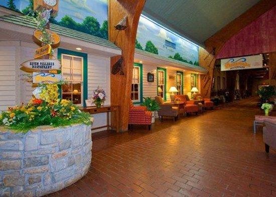 Ramada By Wyndham Williamsburg And Werbahn Waterpark 57 6 7 Updated 2018 Prices Hotel Reviews Iowa Tripadvisor
