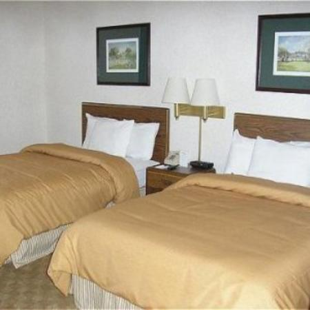 Garden Plaza Atlanta / Norcross: Standard Two Doubles Room