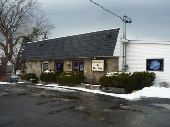 Phoenix on the Bay Cafe: Exterior of restaurant
