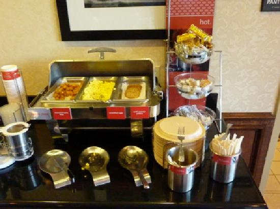 Hampton Inn Fort Stockton: Hampton Inn Breakfast Hot Buffet