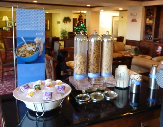 Hampton Inn Fort Stockton: Hampton Inn Breakfast Cold Buffet