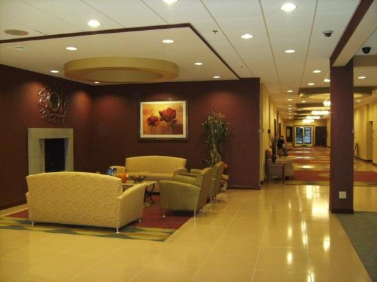 Holyoke Hotel & Conference Center: Lobby