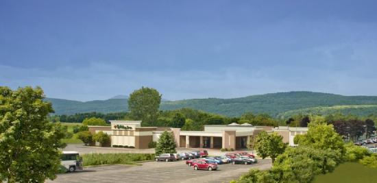 Holiday Inn Rutland/Killington: HIFRNTWEB