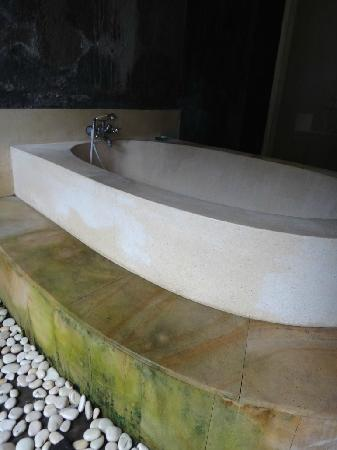 The Club Villas: Green bath