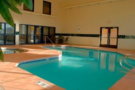 Best Western Moriarty Heritage Inn: Swimming Pool