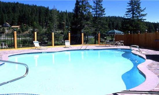 Truckee Donner Lodge: Pool