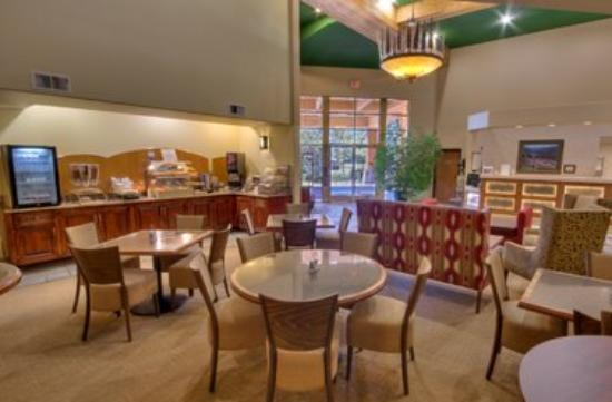 Truckee Donner Lodge: Continental Breakfast Area