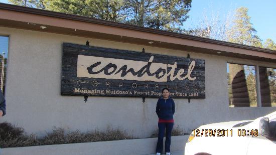 Condotel Cabin Rentals: Oficinas