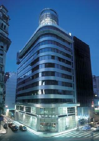 Hotel NH Buenos Aires Latino: Fachada