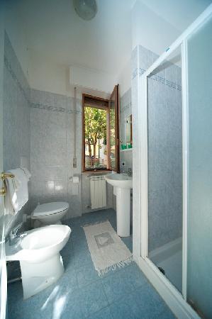 Albergo La Toscana: Toilet