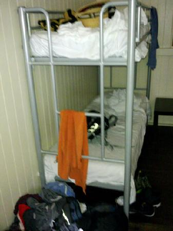 Halse Lodge Guesthouse YHA: Mess at the end of my bed blocking the ladder