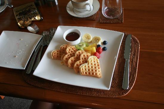 Riverview Terrace: Breakfast