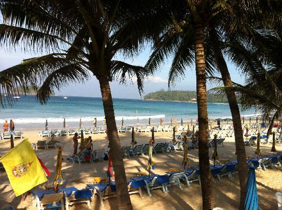 Kata Beach Resort and Spa: Beach Front Area