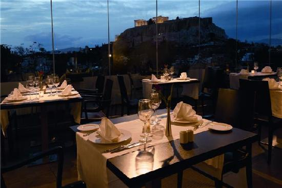 The Athens Gate Hotel: dinner view