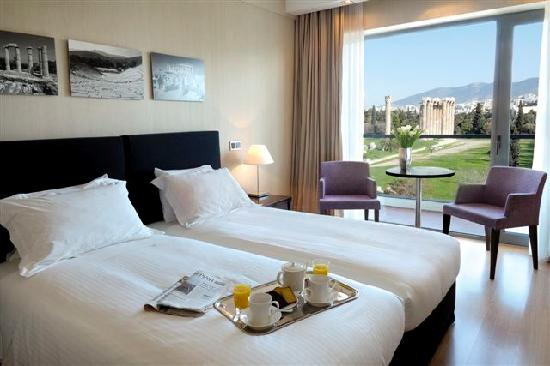 The Athens Gate Hotel: Superior Room with view to the temle of Zeus