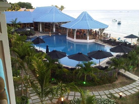 Pearle Beach Resort & Spa: the swimming pool