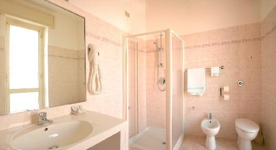 Hotel Rosengarten : Bagno camera