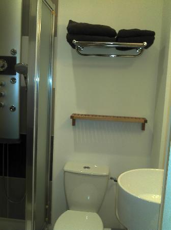 Hotel Mona Lisa : Salle de bains