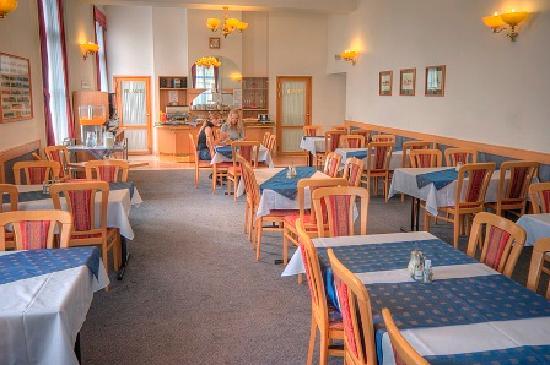 Hotel City Inn: restaurant