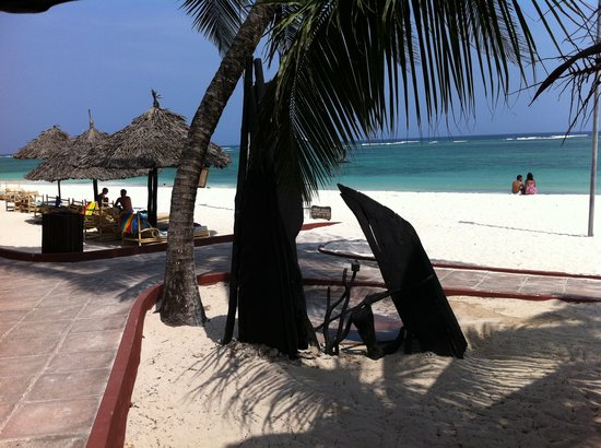 Diani Reef Beach Resort & Spa: the pristine beach