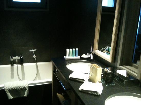 Hotel L'Helios : salle de bain