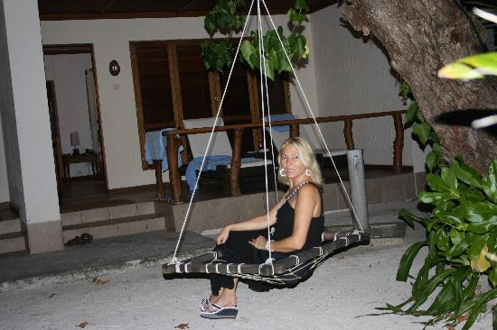 Kuramathi Island Resort: swing outside the villa