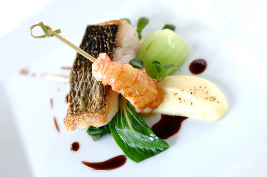 Belmond Le Manoir aux Quat'Saisons : Pan fried sea bass, langoustine, asian greens and star anis sauce